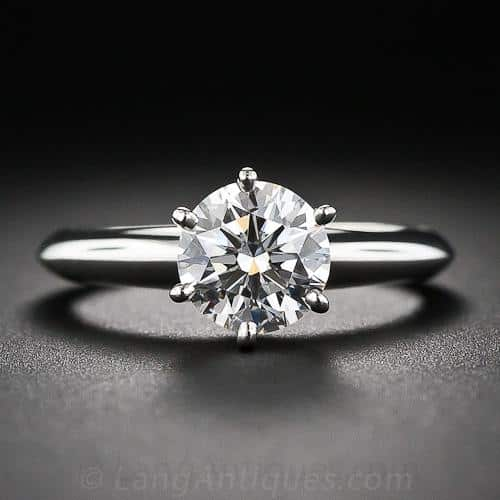 Tiffany_&_Co._1.26_Carat_Diamond_Solitaire