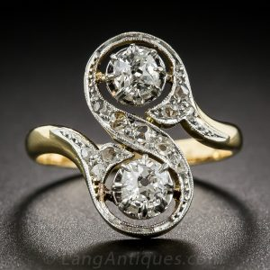 Toi et Moi Twin Diamond and 18k Yellow Gold Engagment Ring, c.1910.