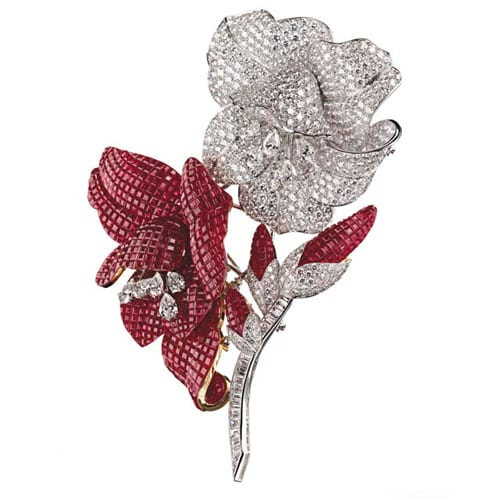 VCA_Ruby_Diamond_Invisibly_Set_Flower