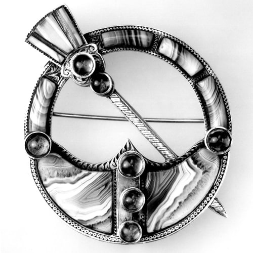 Victorian Celtic Ring Brooch.jpg