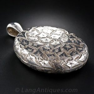 Victorian Engraved Ivy Motif Locket.