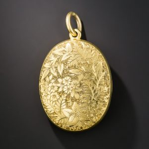 Victorian Floral and Foliate Motif Engraved 18k Yellow Gold Locket c.1890.