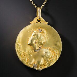 Art Nouveau French 18k Yellow Gold Locket.
