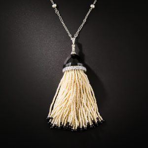 Art Deco Onyx and Pearl Tassel Necklace c.1920s.