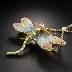 Plique à jour dragonfly pendant. Art Nouveau - ca 1900.