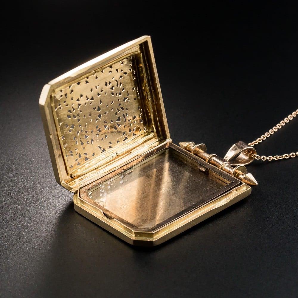 Openwork Pierced Antique Rose Gold Locket (Open).