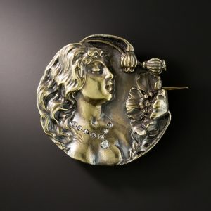 Art Nouveau Habille Portrait Brooch