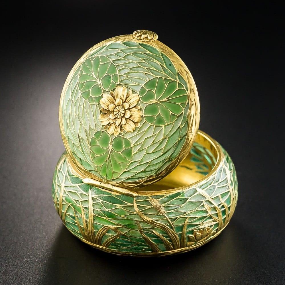 French Art Nouveau Plique-a-Jour Pill Box Displayed as an Objet d'Art.