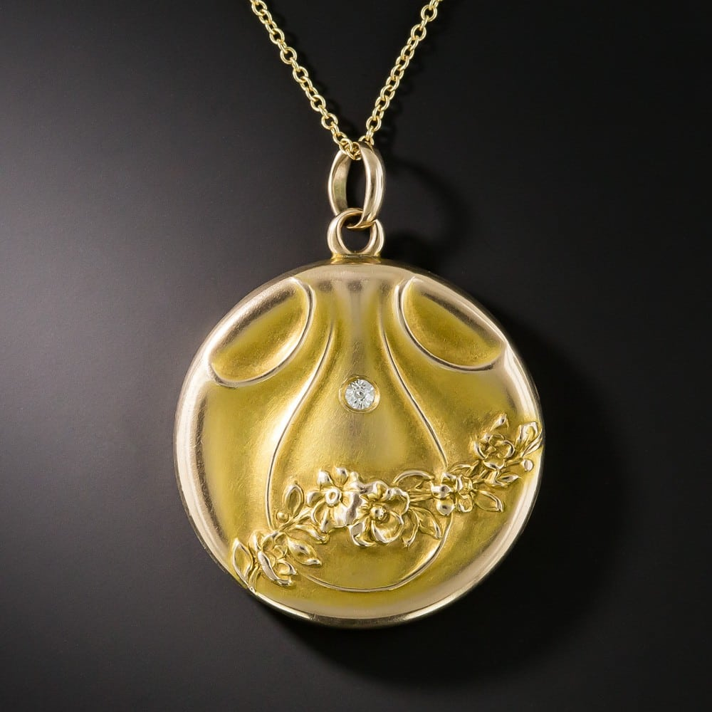 Art Nouveau Floral Motif Locket with a Bloomed Finish.