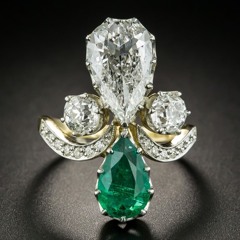 Pear Shaped Diamond and Emerald RIng.