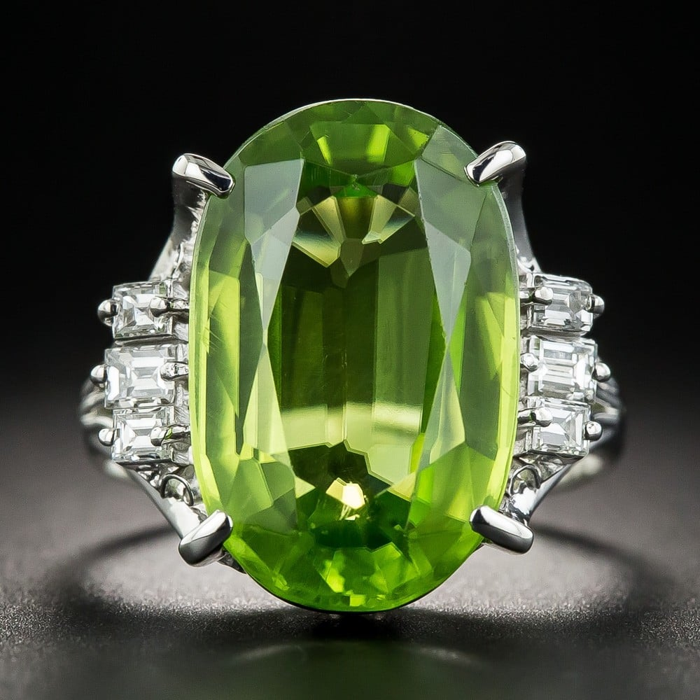 Peridot Ring Exhibiting Doubling Resulting from its High Birefringence.