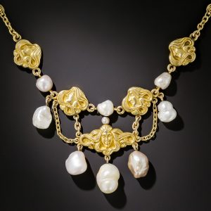 Art Nouveau Freshwater Pearl Necklace.