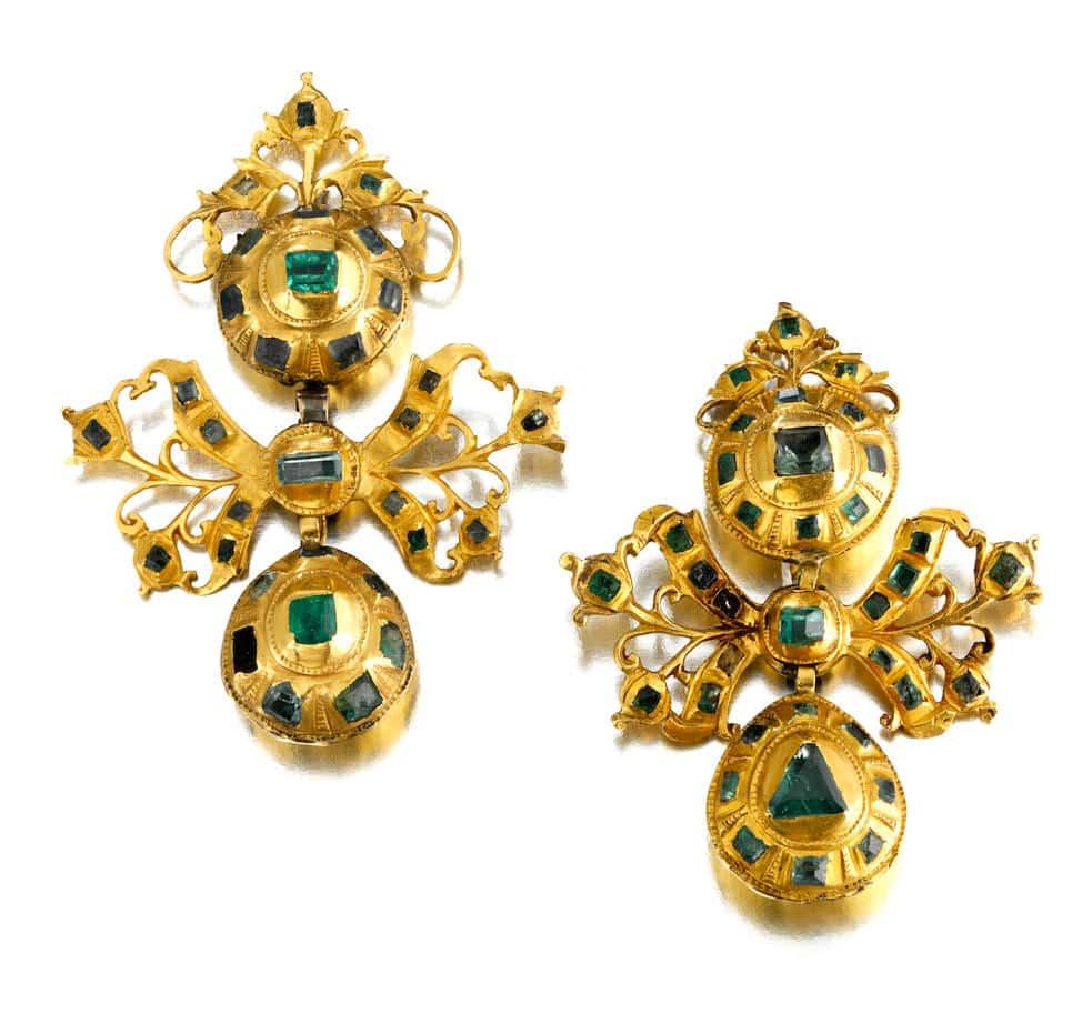 Antique Lazo Emerald Earrings, c.1800. Photo Courtesy of Bonhams.